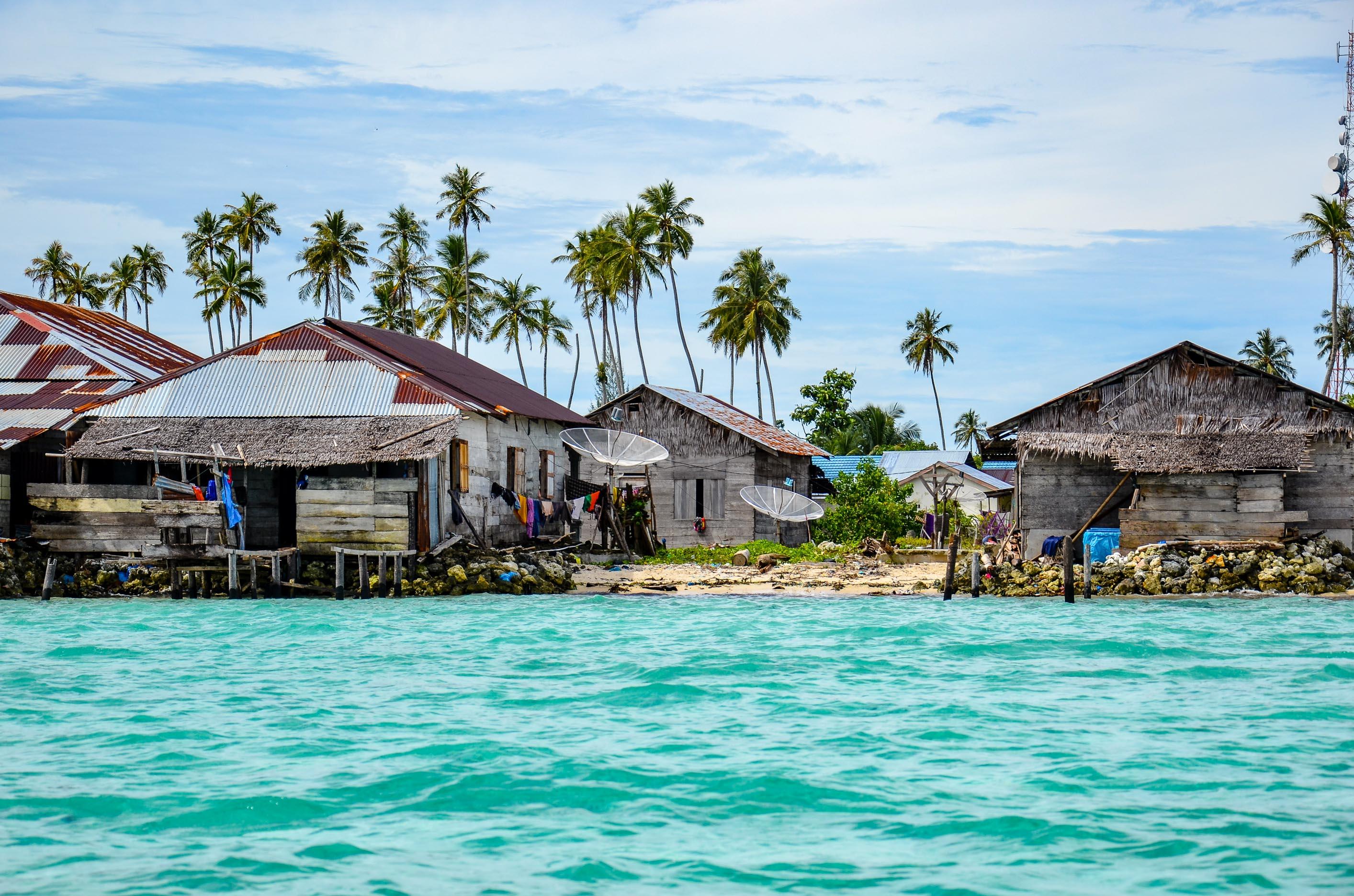 Zabudowania Pulau Balai. Wyspy Banyak, Indonezja