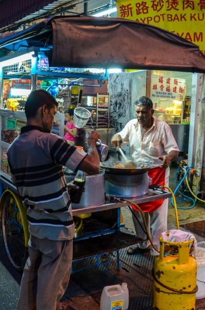 Uliczne gotowanie na ulicach miasta. George Town, Malezja