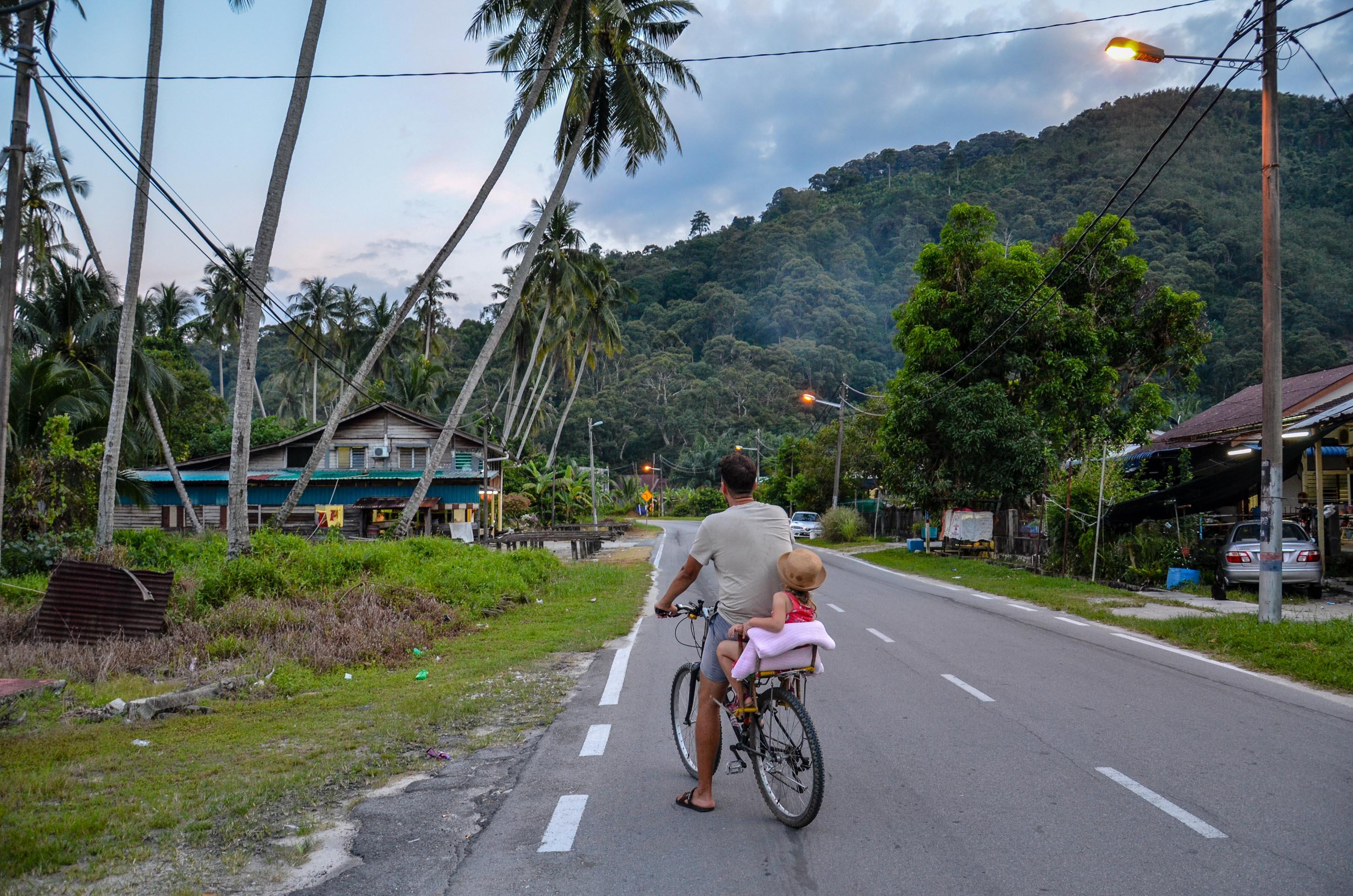 Podróżowanie na rowerze. Balik Pulau, Malezja